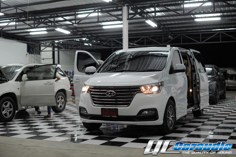 Hyundai H-1 + Focal ลายไม้ยกทีม