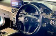 Benz E250 Van กับชุดเครื่องเสียงอัพเกรด เรียบๆ แต่ไพเราะ
