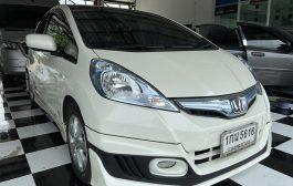 Honda Jazz GE Hybrid + Kenwood DDX 8020s